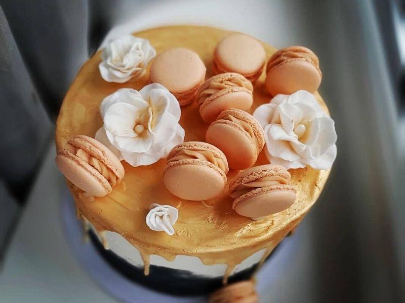 Adrienn macaron sztorija és torta receptje